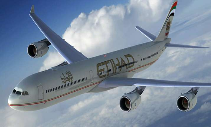 etihad announces incentives for students flying abroad