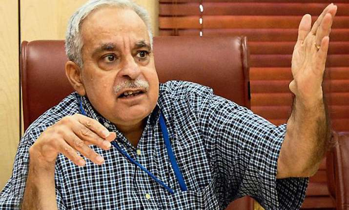 exports up 6.7 pc in dec may achieve 300 bn fy 12 target