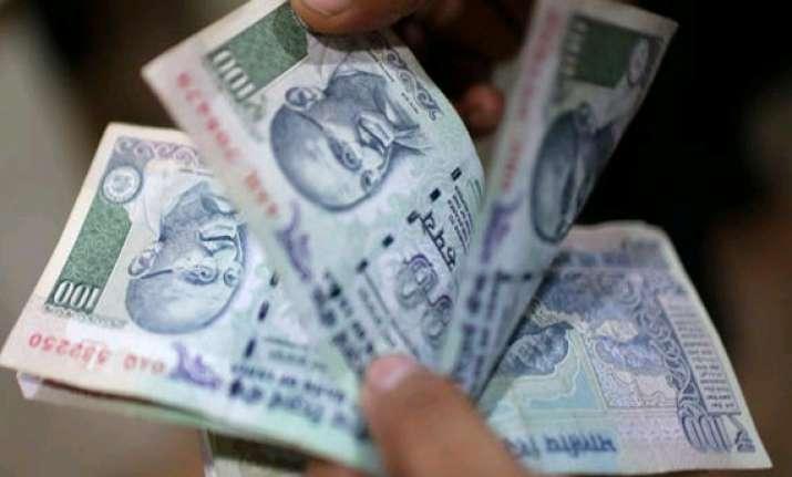 fiis pump in rs. 4 900 crore in indian stocks in week to
