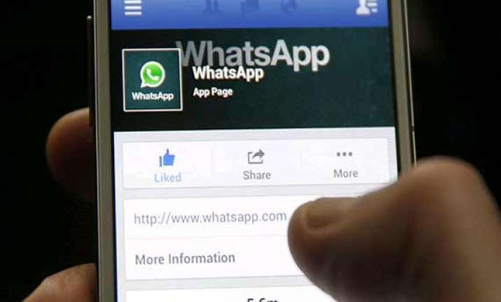 facebook extends closing of whatsapp acquisition by a year