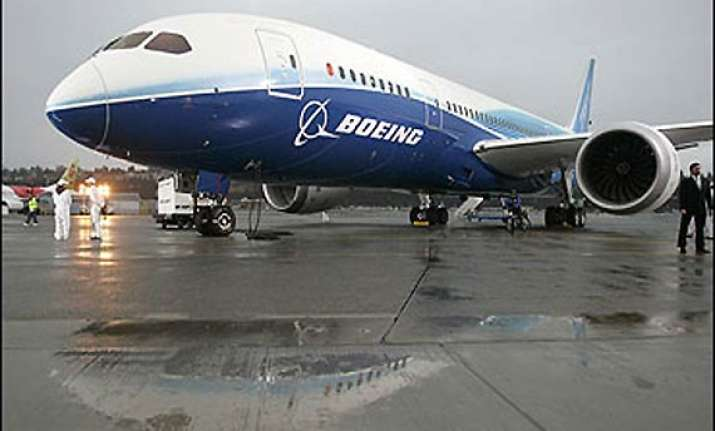 first boeing 787 dreamliner lands in delhi