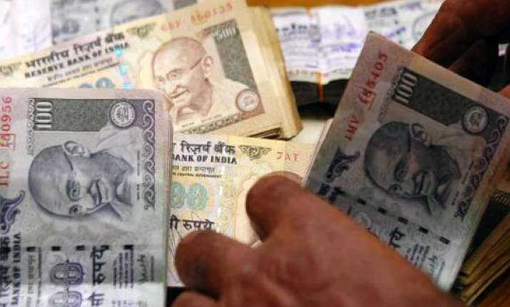 fiscal deficit touches 61.2 in april july
