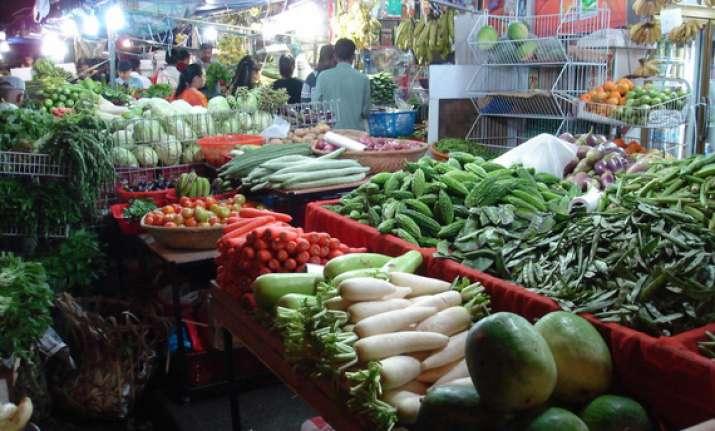 food inflation may linger despite good monsoon india ratings