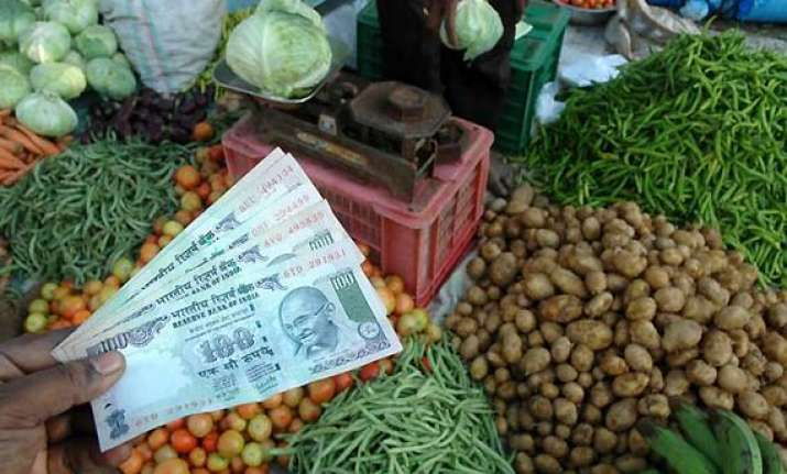 food inflation down to 4 yr low of 4.35 all eyes on rbi meet