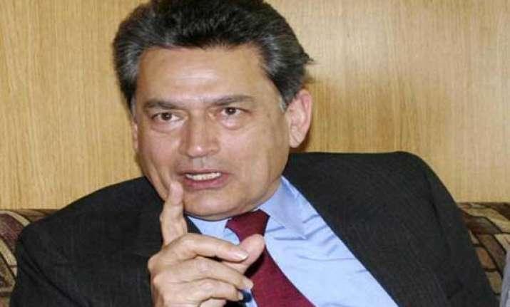 former goldman sachs director rajat gupta seeks stay of