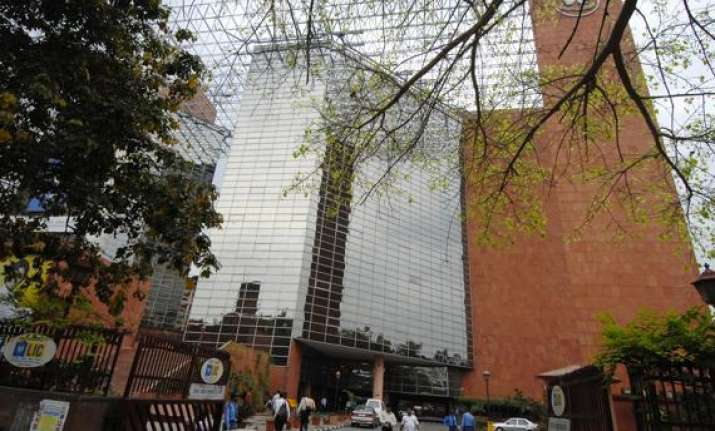 from october 1 service tax to make lic policies costlier