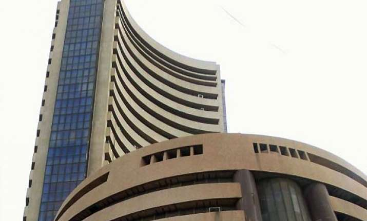 global worries drag sensex down by 351 pts in opening trade