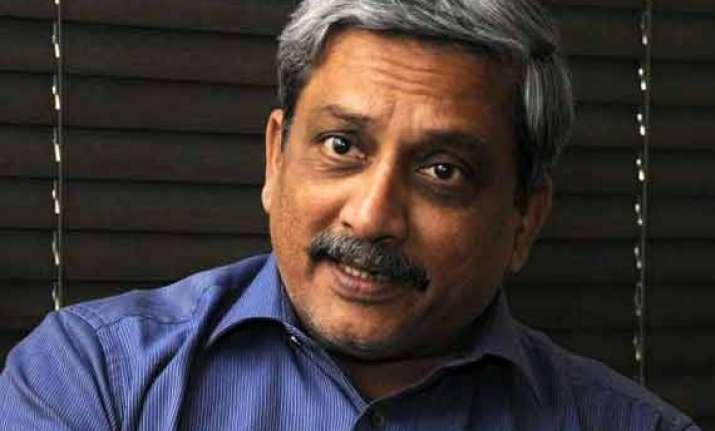 goa cm parrikar says only govts should decide economic