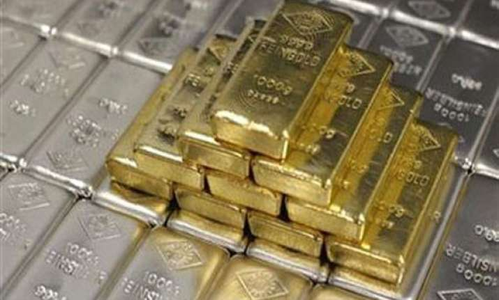 gold and silver decline on global cues