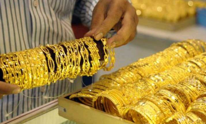 gold rebounds on wedding season buying global cues