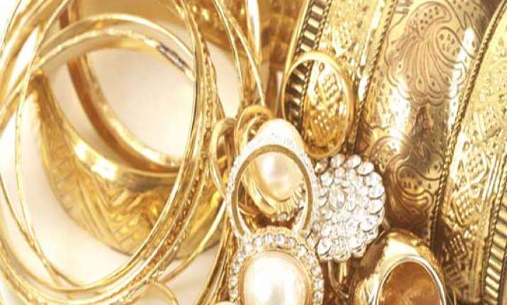 gold rebounds on fresh demand silver firms up global cues