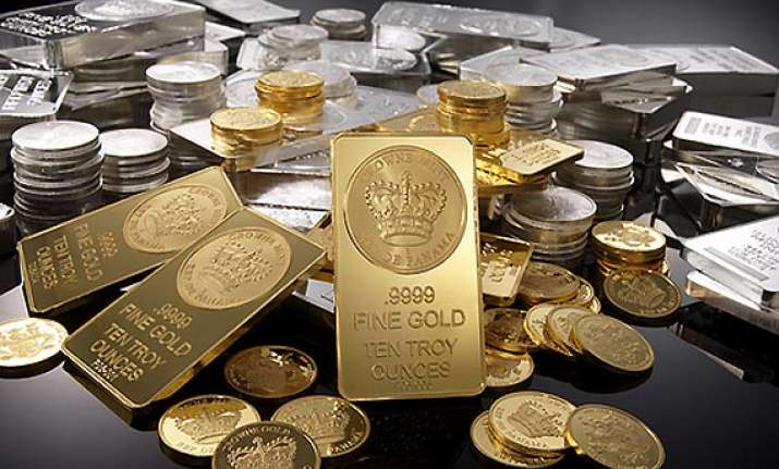 gold silver advance on strong global cues