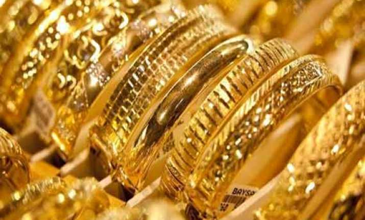 gold silver extend losses on global cues sluggish demand
