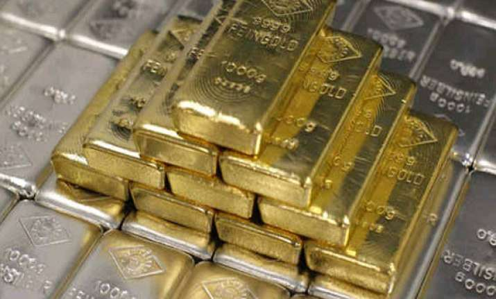 gold silver fall on sluggish demand global cues