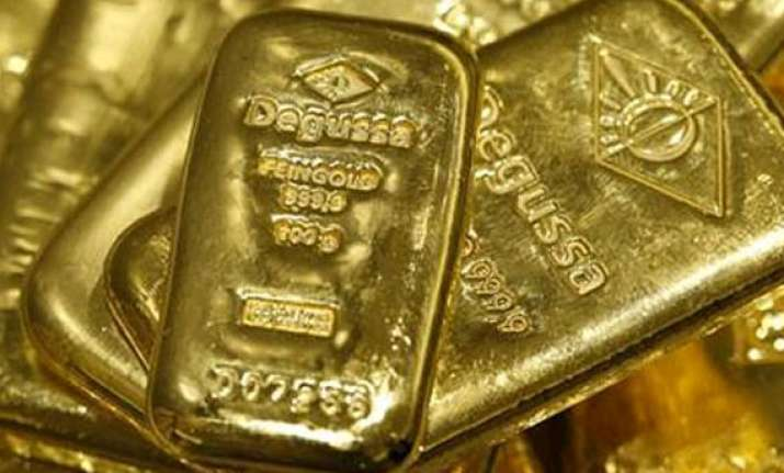 gold snaps four day rising streak on profit selling