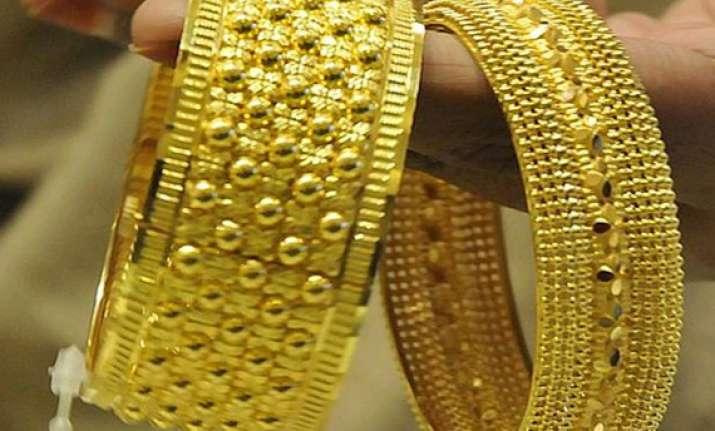 gold strengthens on firm buying amid buoyant global cues