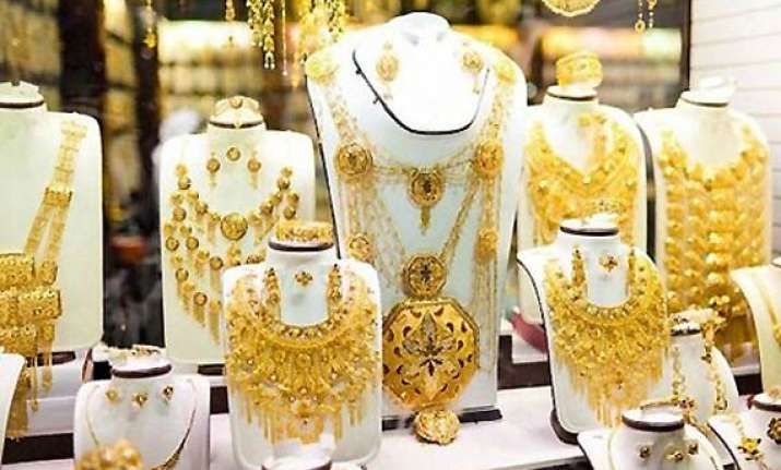 gold breaches rs 25 000 mark