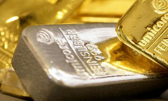 gold falls by rs 115 silver loses rs 400