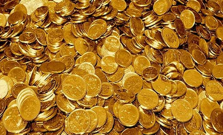 gold records biggest fall in 2 months down by rs 800