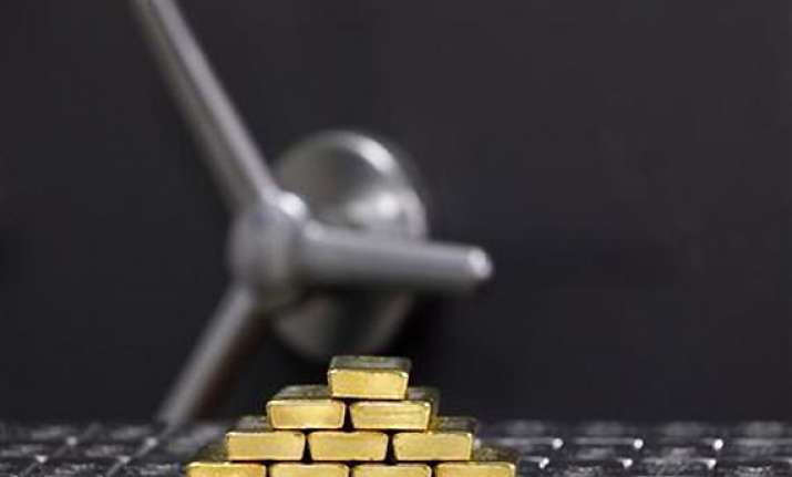 gold silver extend gains on seasonal demand