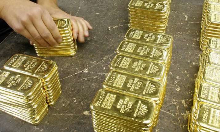 gold snaps 3 day rally on reduced off take down by rs 100