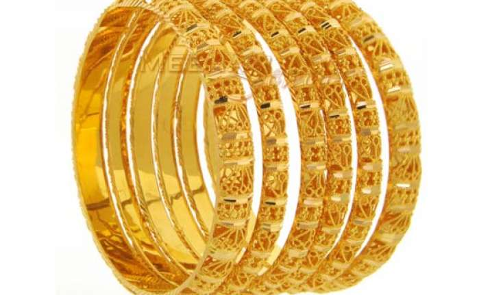 gold steady at rs 27 640 silver gains rs 250