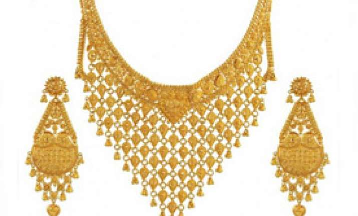 gold silver tumble on weak demand global cues