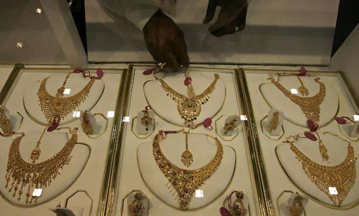gold up by rs 150 on festive demand global cues