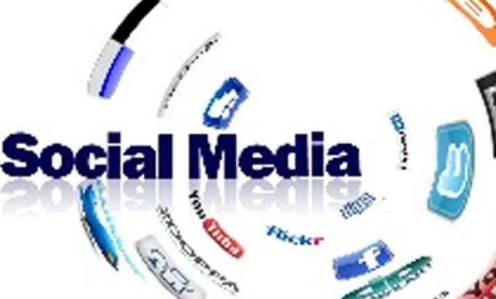 google facebook twitter eye rs 500 cr social media poll pie