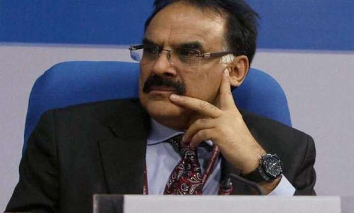 government will meet fiscal deficit target mayaram says