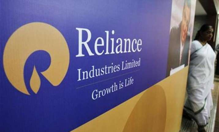 govt asks ril to surrender 81 of kg d6 gas block