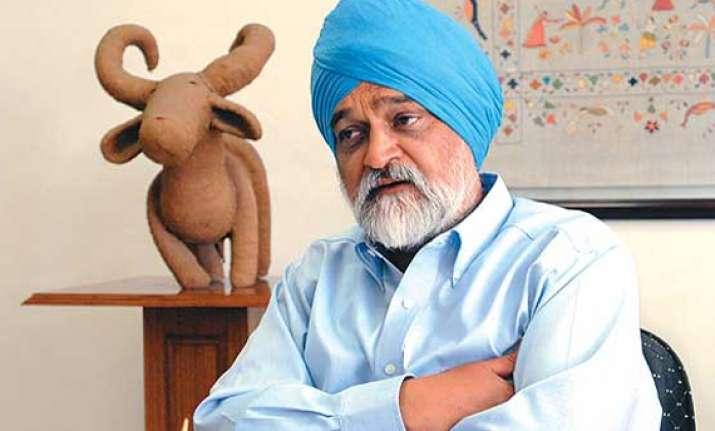 govt taking steps to arrest rupee s fall says montek
