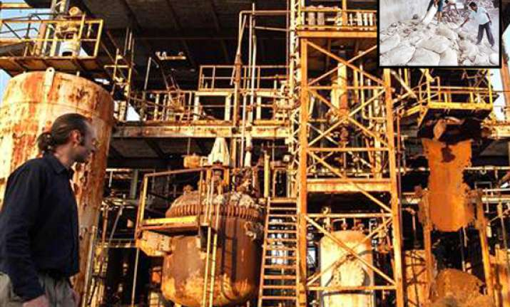 govt to spend rs 30 cr in disposing union carbide toxic