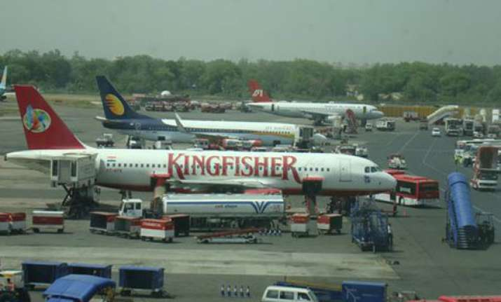 govt aims for rs 50k crore private investment in airport