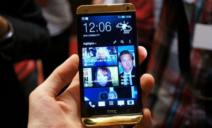 hands on with gold htc one see pictures