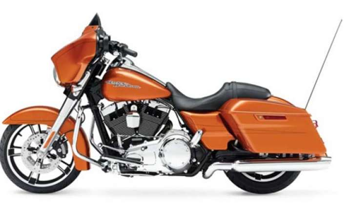 harley davidson launches 2014 street glide in india