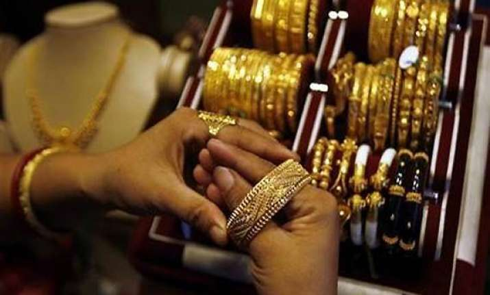 heavy gold buying continues up by rs 875 to rs 25 805