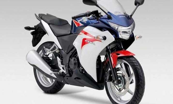 honda recalls 11 500 units of cbr 250r due to front brake