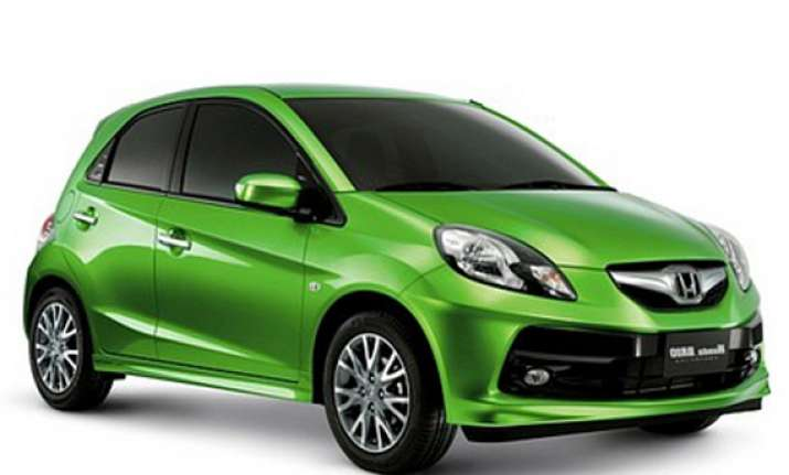 honda to introduce sedan variant of brio in india