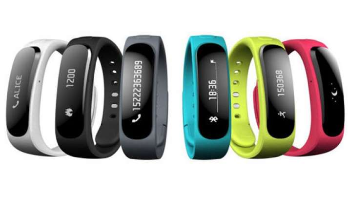 huawei unveils talkband b1 a fitness tracker that doubles