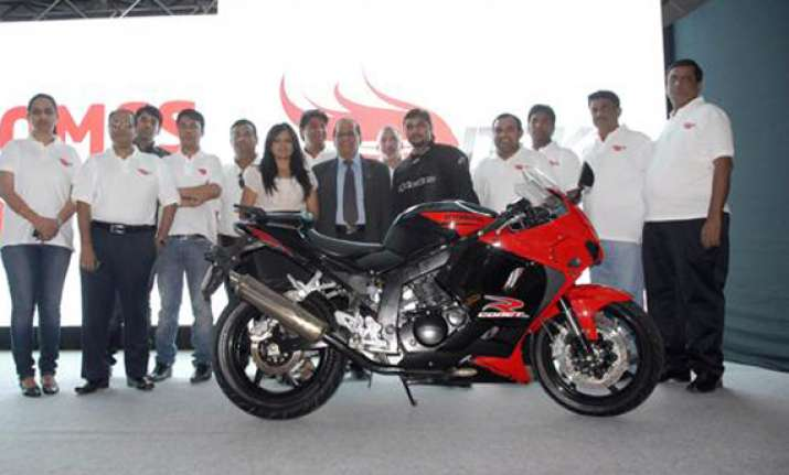 hyosung launches new bike gt250r for rs. 2.75 lakh
