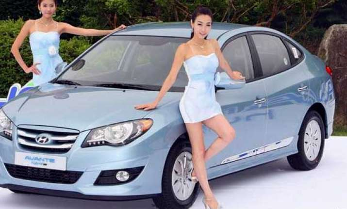 hyundai motor s q4 profit dented by won s rise