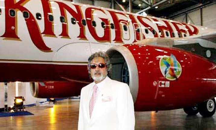 iata suspends kingfisher for not clearing dues