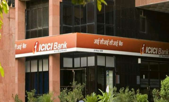 icici bank overtakes hdfc bank as top private bank employer