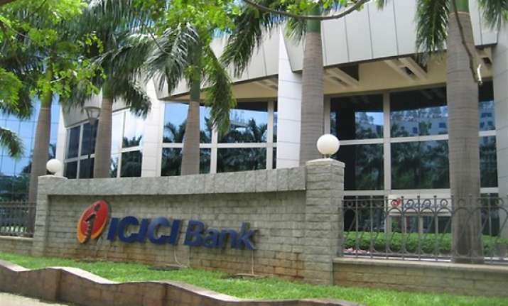icici bank q4 net up 31 pc to rs 1 902 cr