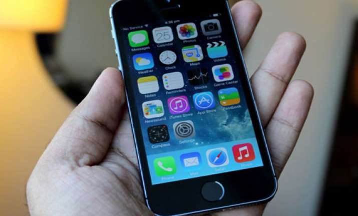 india iphone distributor to roll out 5s 5c from nov 1