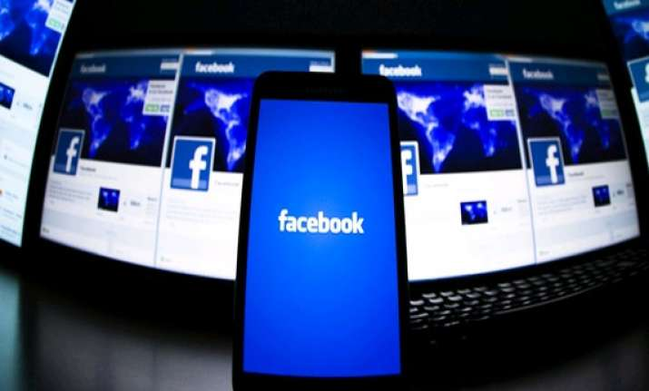 india to clock fastest growth for facebook in 2014 report