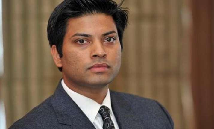 airasia india ceo mittu chandilya not quitting airline