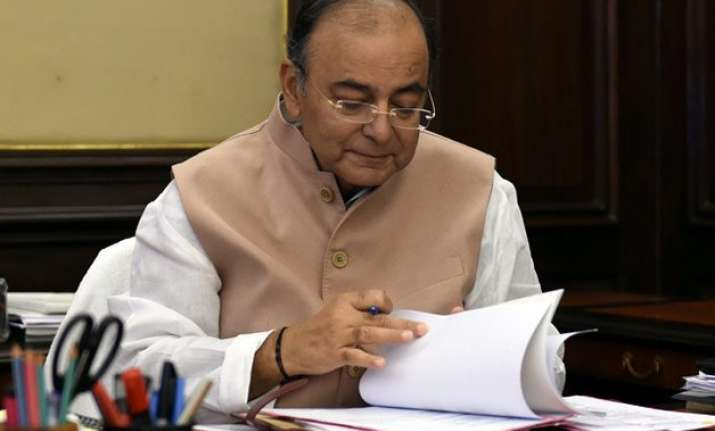 arun jaitley begins pre budget consultations with economists