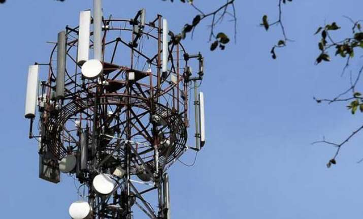 govt eyes rs 1 lakh crore from spectrum sales starting today